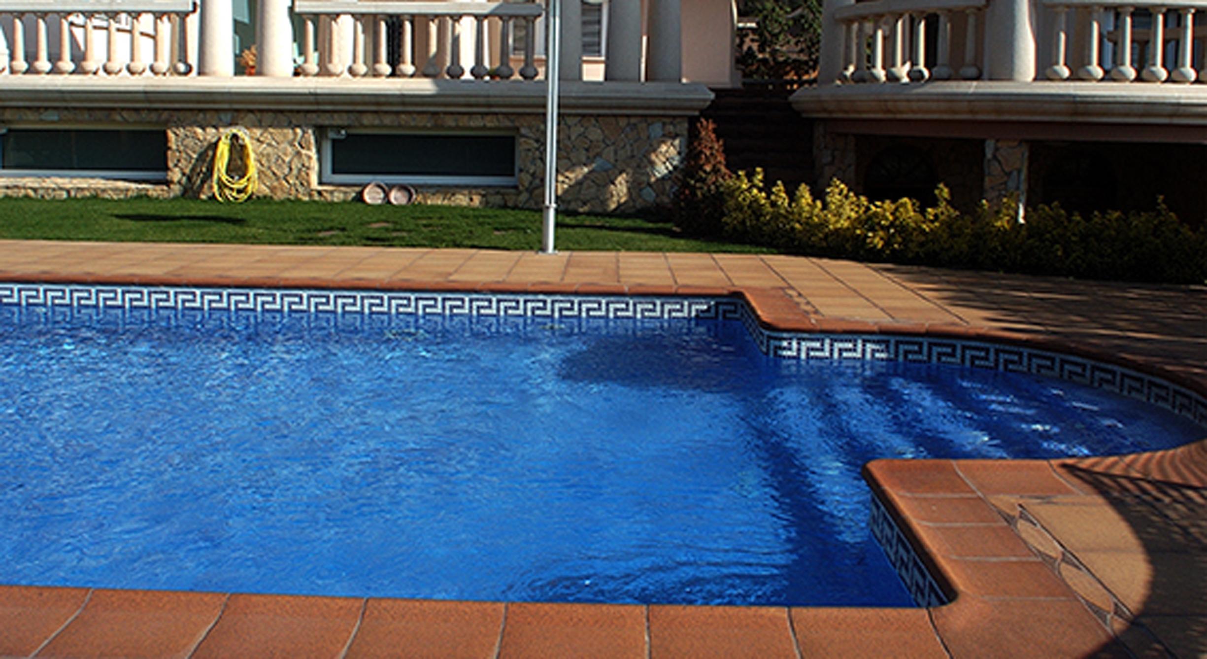 Gres de breda materialshoms for Gres de breda para piscinas